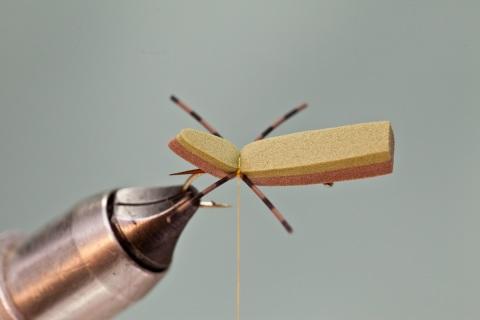 tying in rubber legs