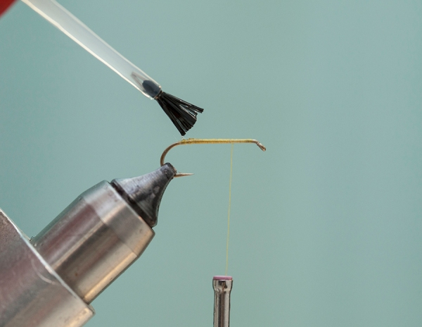 glue on hook fly tying
