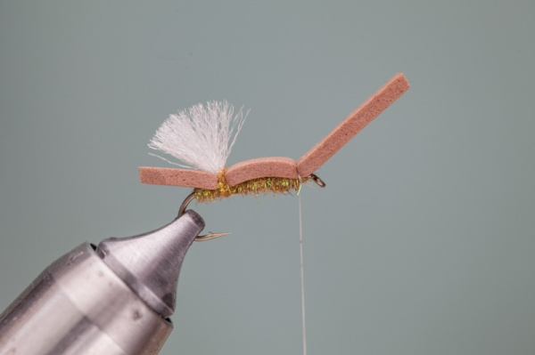 tying on foam hopper body
