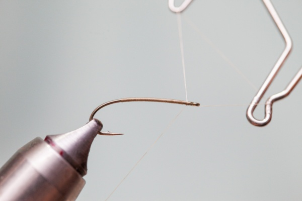 whip finish on fly hook